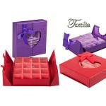 Кутия за шоколадови бонбони с прозрачен прозорец във формата на сърце